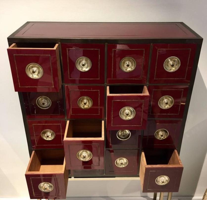 Meuble de rangement vintage couleur bordeaux avec 16 tiroirs en vente sur pamono - Couleur bordeau en anglais ...
