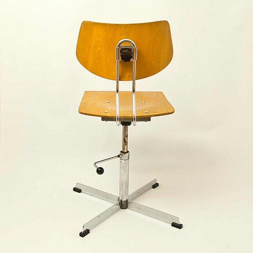 chaise de bureau vintage r publique tch que en vente sur pamono. Black Bedroom Furniture Sets. Home Design Ideas