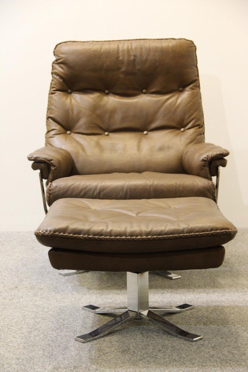 fauteuil et repose pied retro en cuir de buffle par arne norell pour vatne en vente sur pamono. Black Bedroom Furniture Sets. Home Design Ideas
