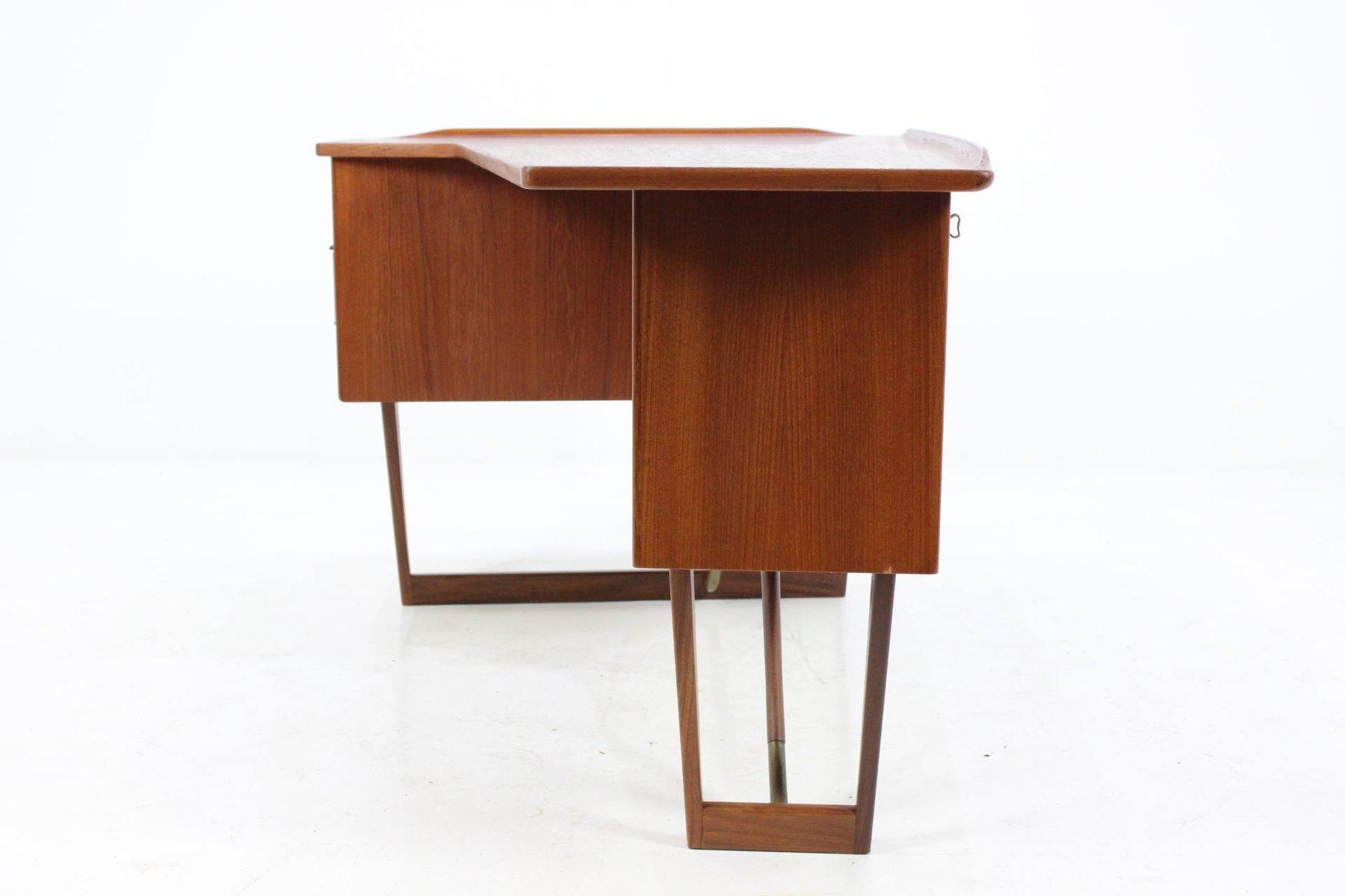 d nischer mid century teak schreibtisch von peter lovig nielsen 1960er bei pamono kaufen. Black Bedroom Furniture Sets. Home Design Ideas