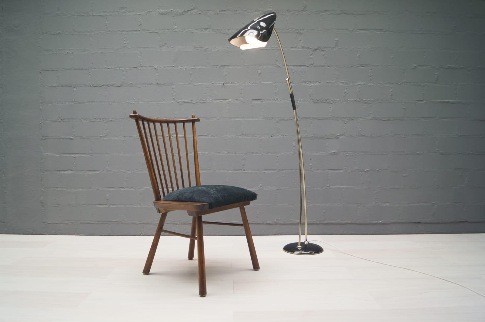 italienische vintage stehlampe mit zweifarbigen schirm bei. Black Bedroom Furniture Sets. Home Design Ideas