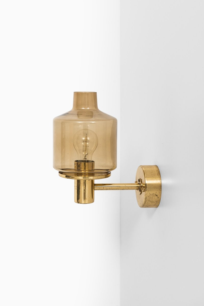V-212 Brass Wall Lamp by Hans-Agne Jakobsson for sale at Pamono