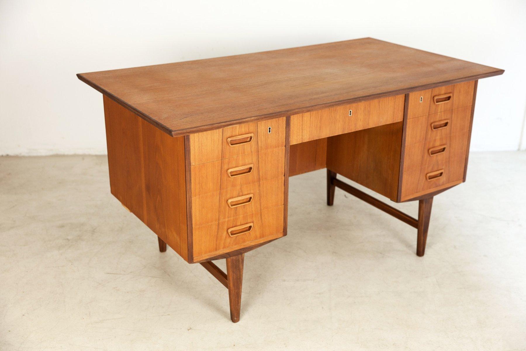 freistehender d nischer vintage teak schreibtisch bei. Black Bedroom Furniture Sets. Home Design Ideas
