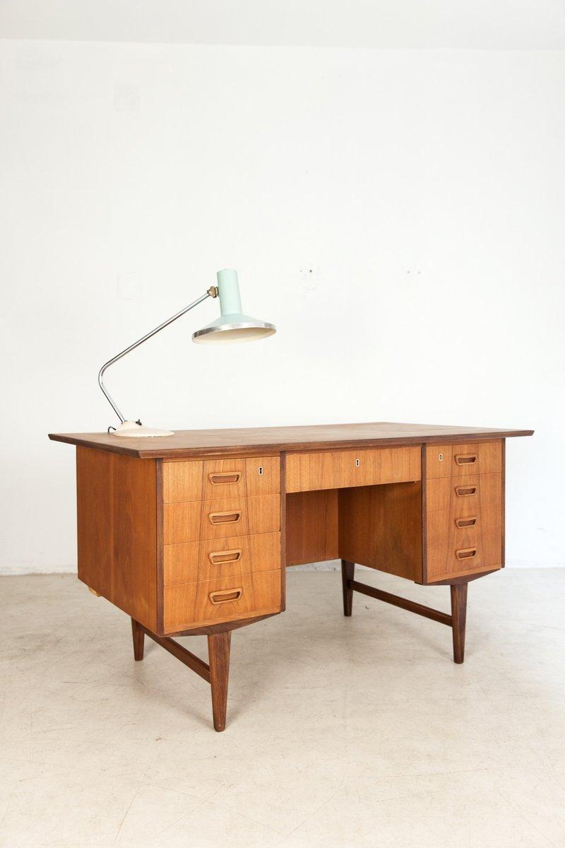 freistehender d nischer vintage teak schreibtisch bei pamono kaufen. Black Bedroom Furniture Sets. Home Design Ideas