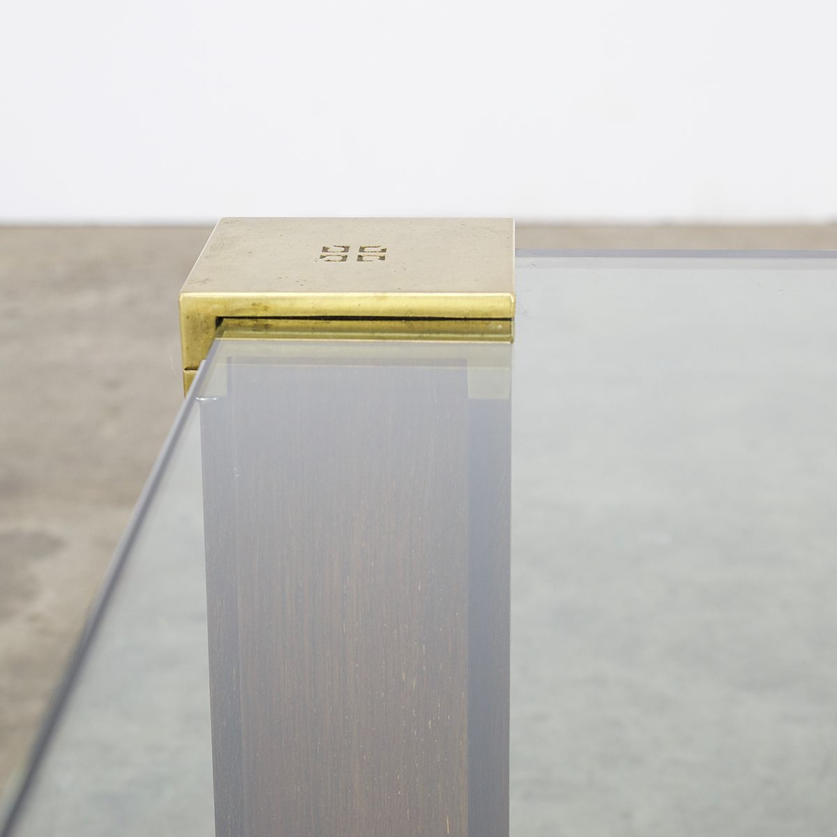 t66 couchtisch aus glas messing teak von peter ghyczy. Black Bedroom Furniture Sets. Home Design Ideas