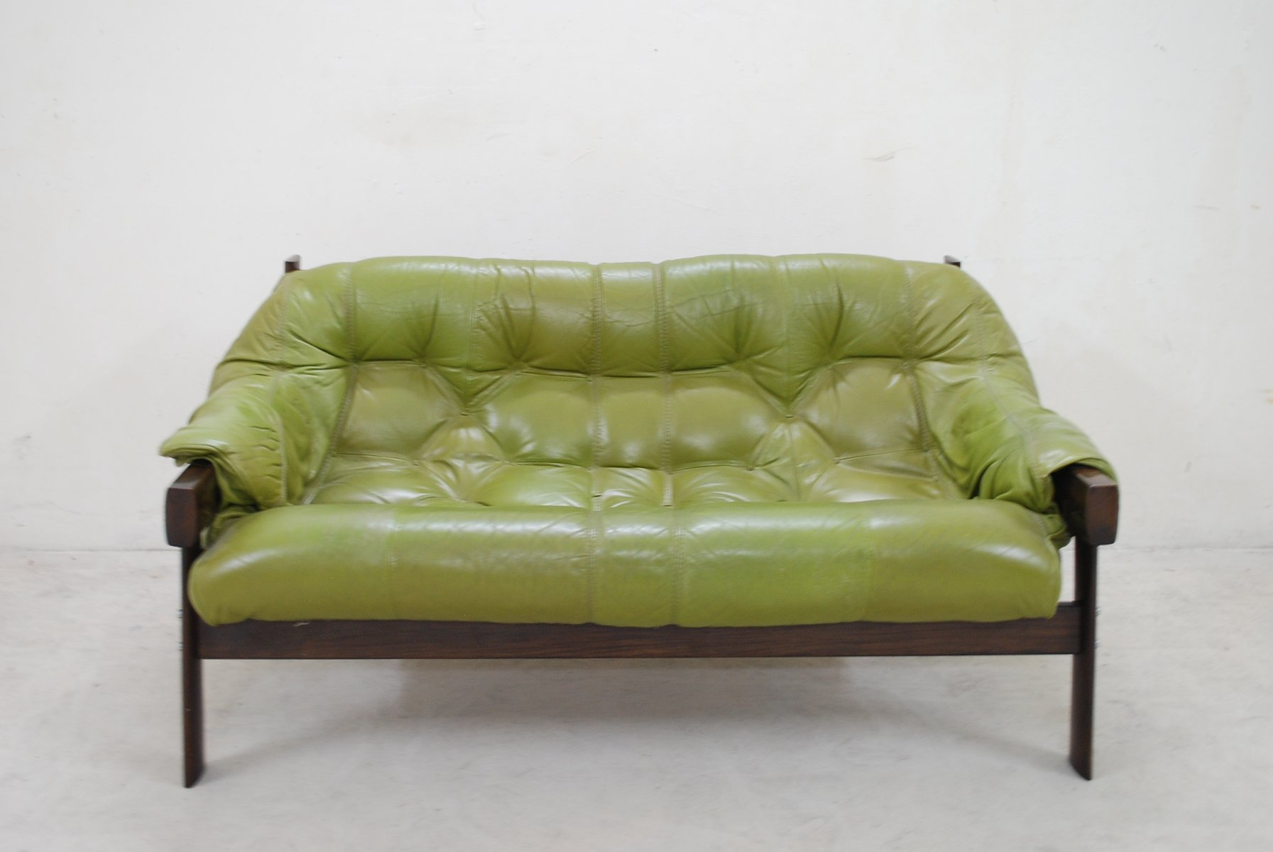 model mp 041 green leather sofa from percival lafer 1961. beautiful ideas. Home Design Ideas