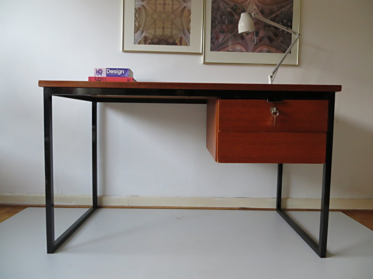 Schreibtisch designklassiker  Skandinavischer Minimalistischer Schreibtisch, 1960er bei Pamono ...