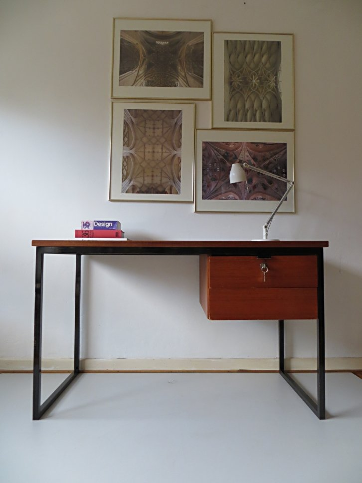 Scandinavian minimalist desk 1960s for sale at pamono for Minimalist desk