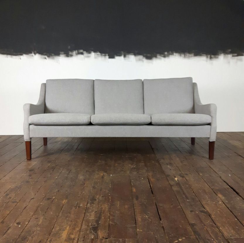 Mid century danish three seater rosewood sofa with grey cashmere wool by rud thygesen for vejen Sofa polster erneuern