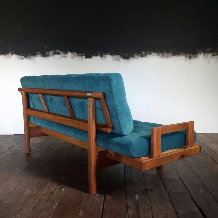 Mid century sofa with petrolfarbenem samt bei pamono kaufen for Sofa petrol samt