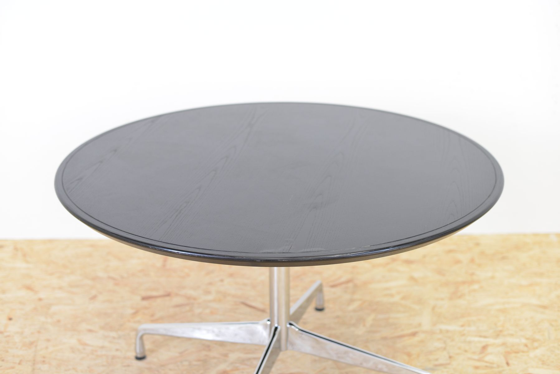 Mid century ash segmented table by charles ray eames for for Table ronde charles eames