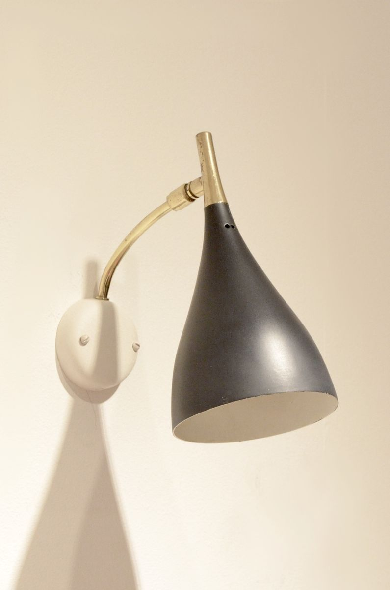 Metal Shaped Wall Lights : Mid-Century Tulip Shaped Black Painted Metal and Brass Wall Sconce for sale at Pamono