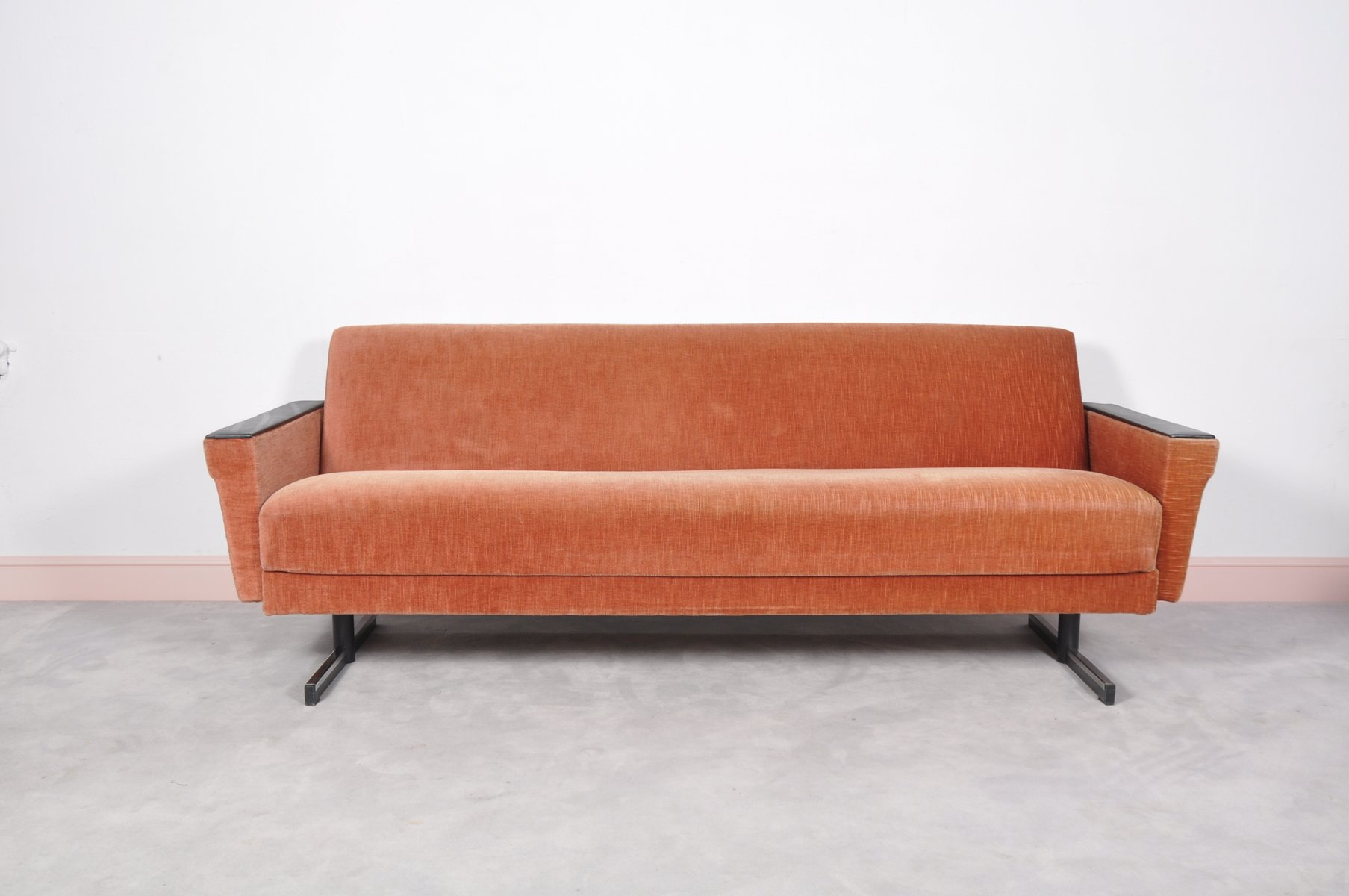 Mid century modern daybed sofa with shaker legs for sale for Mid century modern day bed