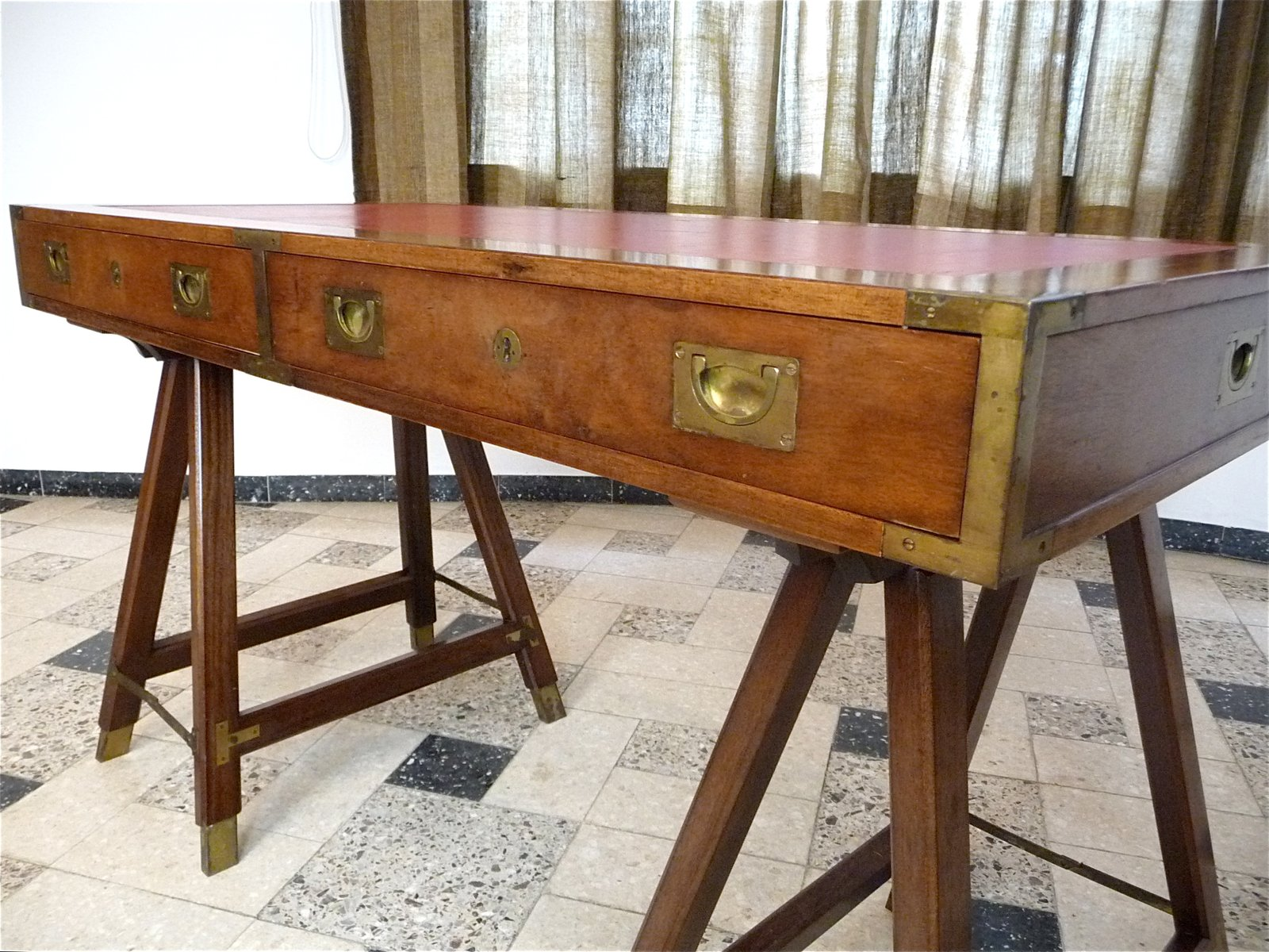Vintage British Campaign Desk In Mahogany And Leather