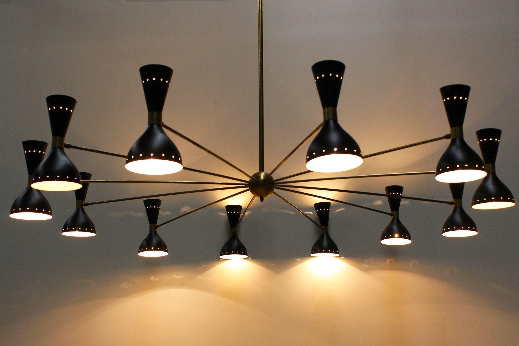 italienischer mid century kronleuchter aus messing schwarzem metall von stilnovo 1950er bei. Black Bedroom Furniture Sets. Home Design Ideas
