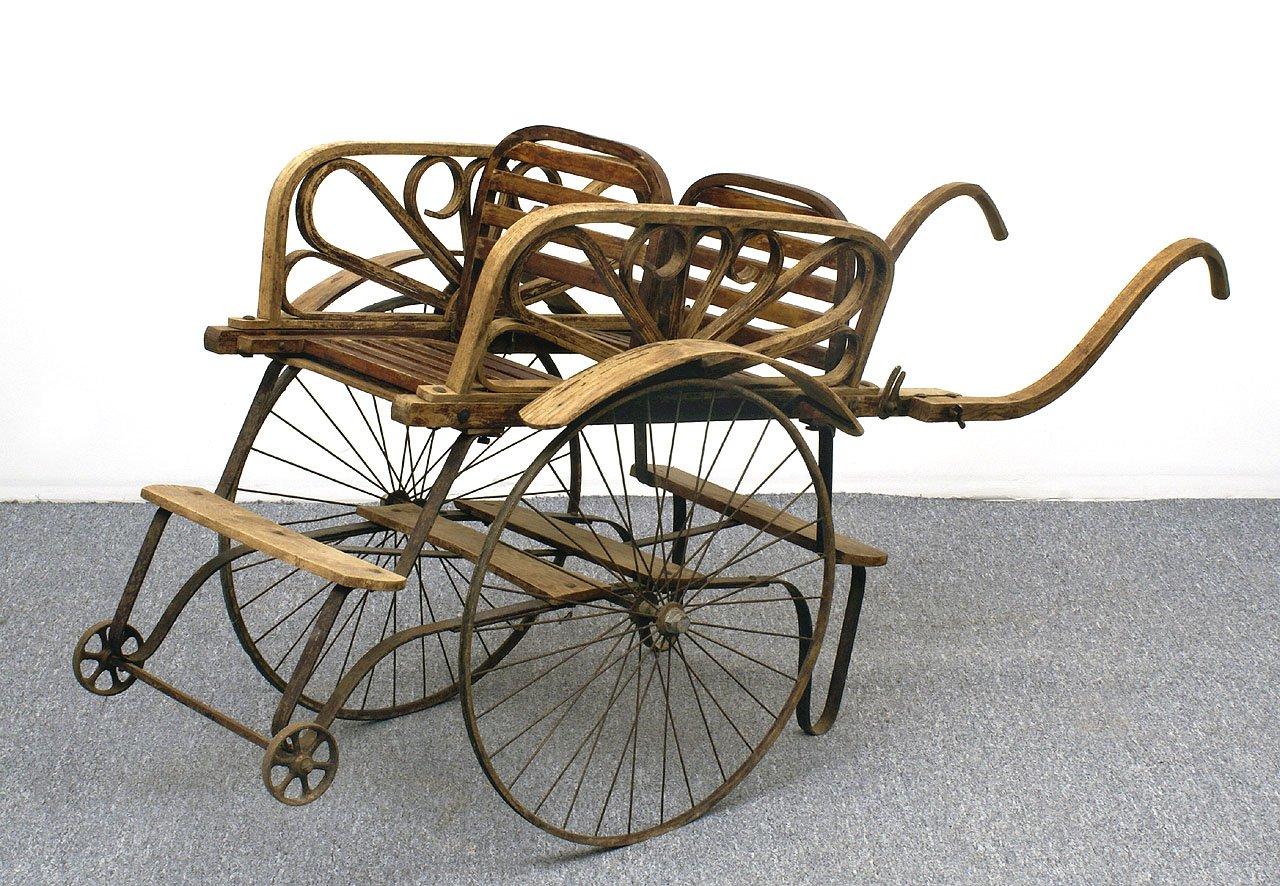 antiker kinderwagen f r zwillinge bei pamono kaufen. Black Bedroom Furniture Sets. Home Design Ideas