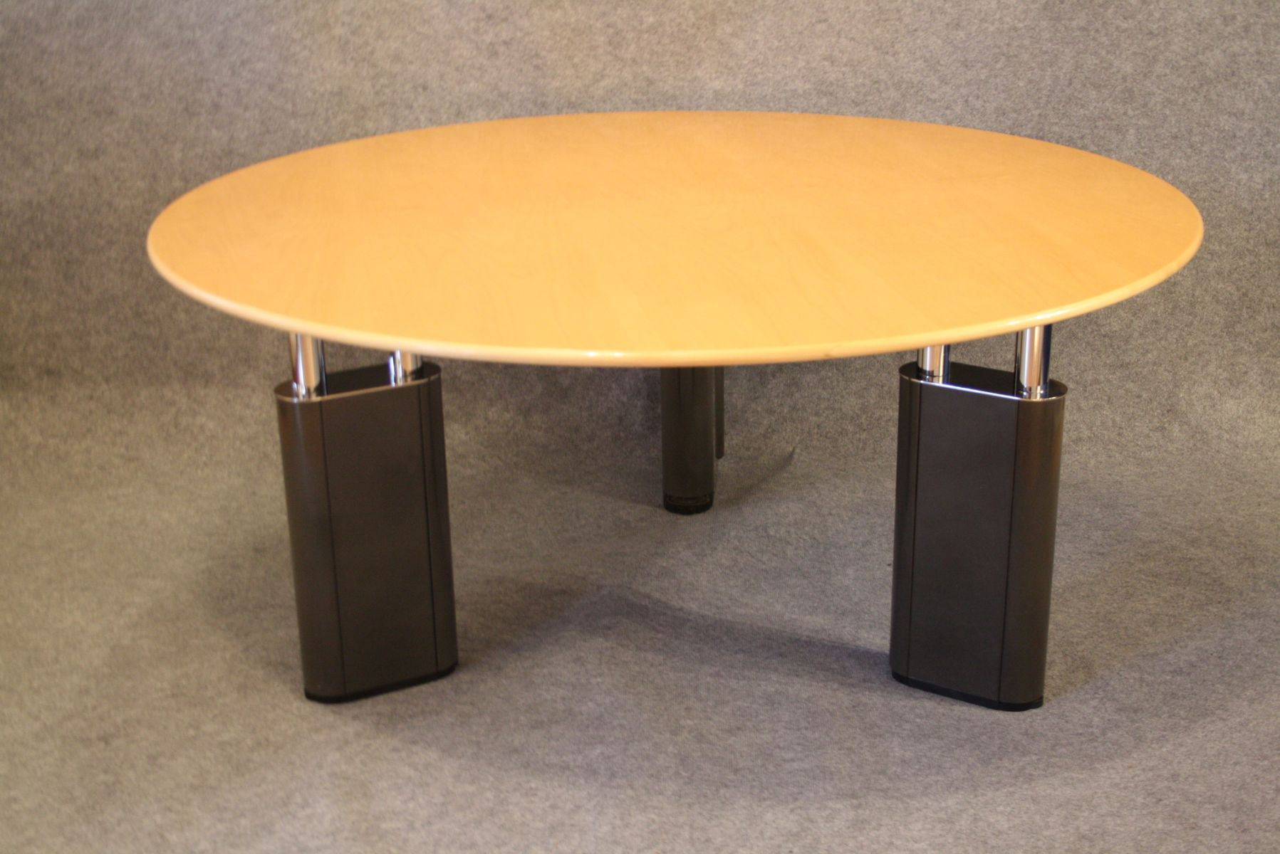 Kum Table by Gae Aulenti for Tecno 1999 for sale at Pamono