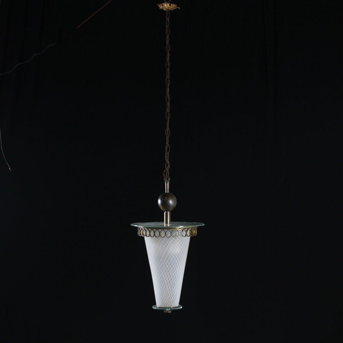 Lampada vintage in ottone e vetro decorato, Italia, anni '50 in vendita su Pamono