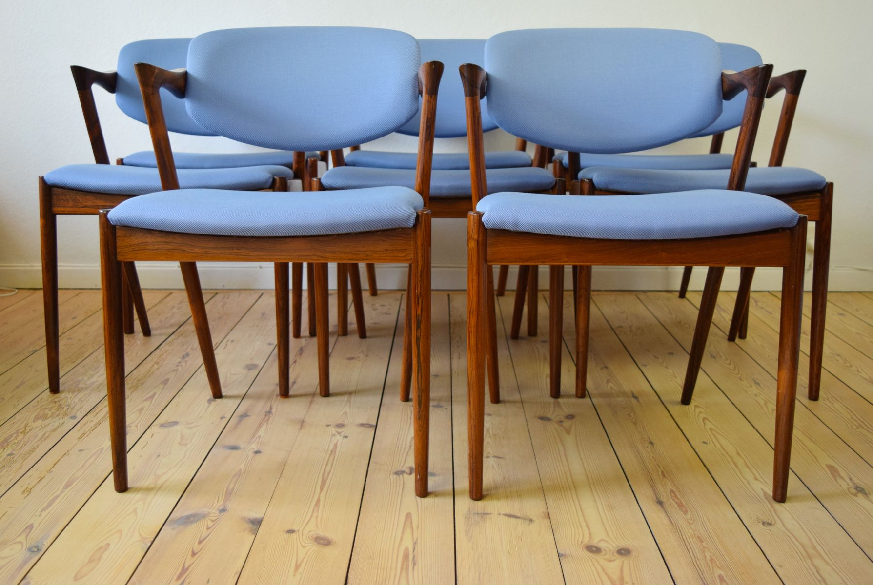 vintage danish round rosewood dining table for sale at pamon