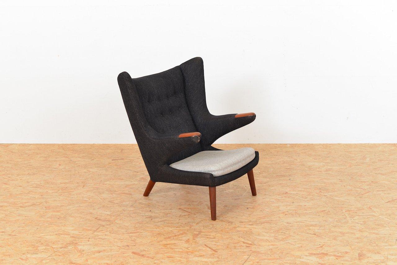 chaise vintage papa bear par hans j wegner pour ap. Black Bedroom Furniture Sets. Home Design Ideas