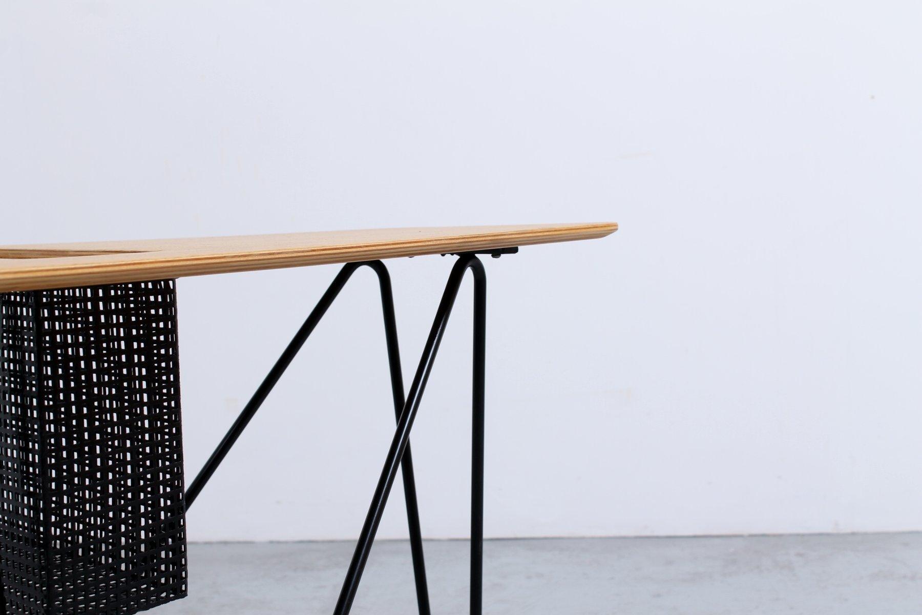 vintage combex series beistelltisch mit zeitungsst nder. Black Bedroom Furniture Sets. Home Design Ideas