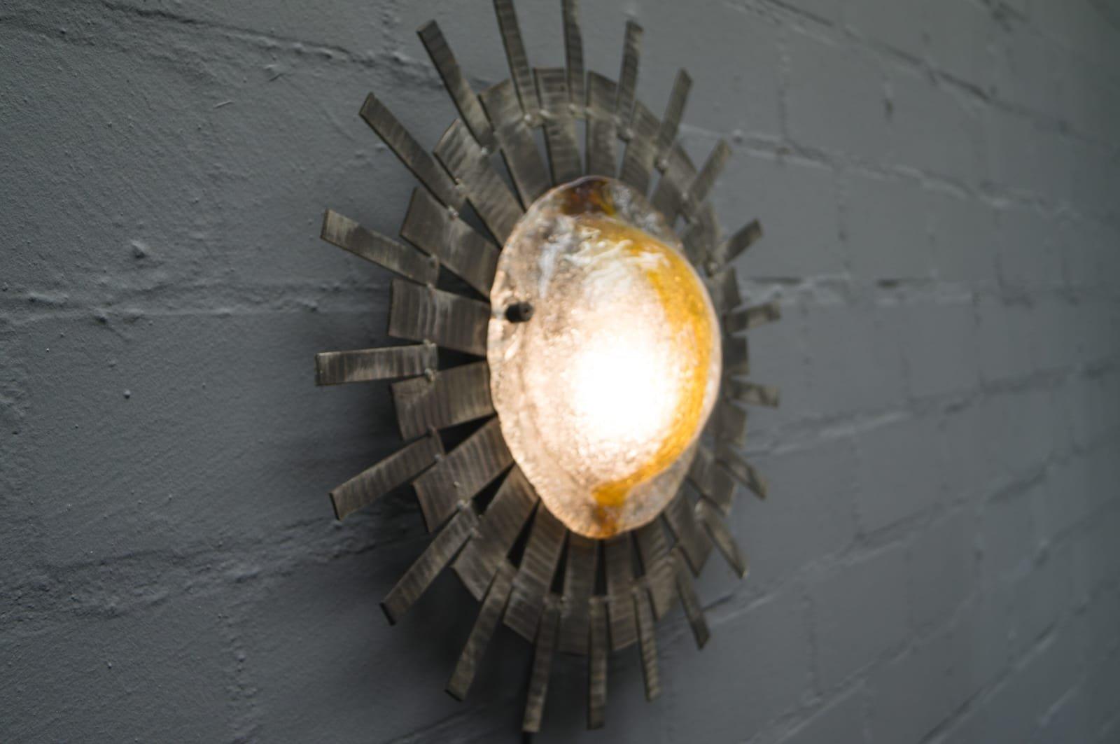 lampe mid century brutaliste forme soleil en verre murano. Black Bedroom Furniture Sets. Home Design Ideas
