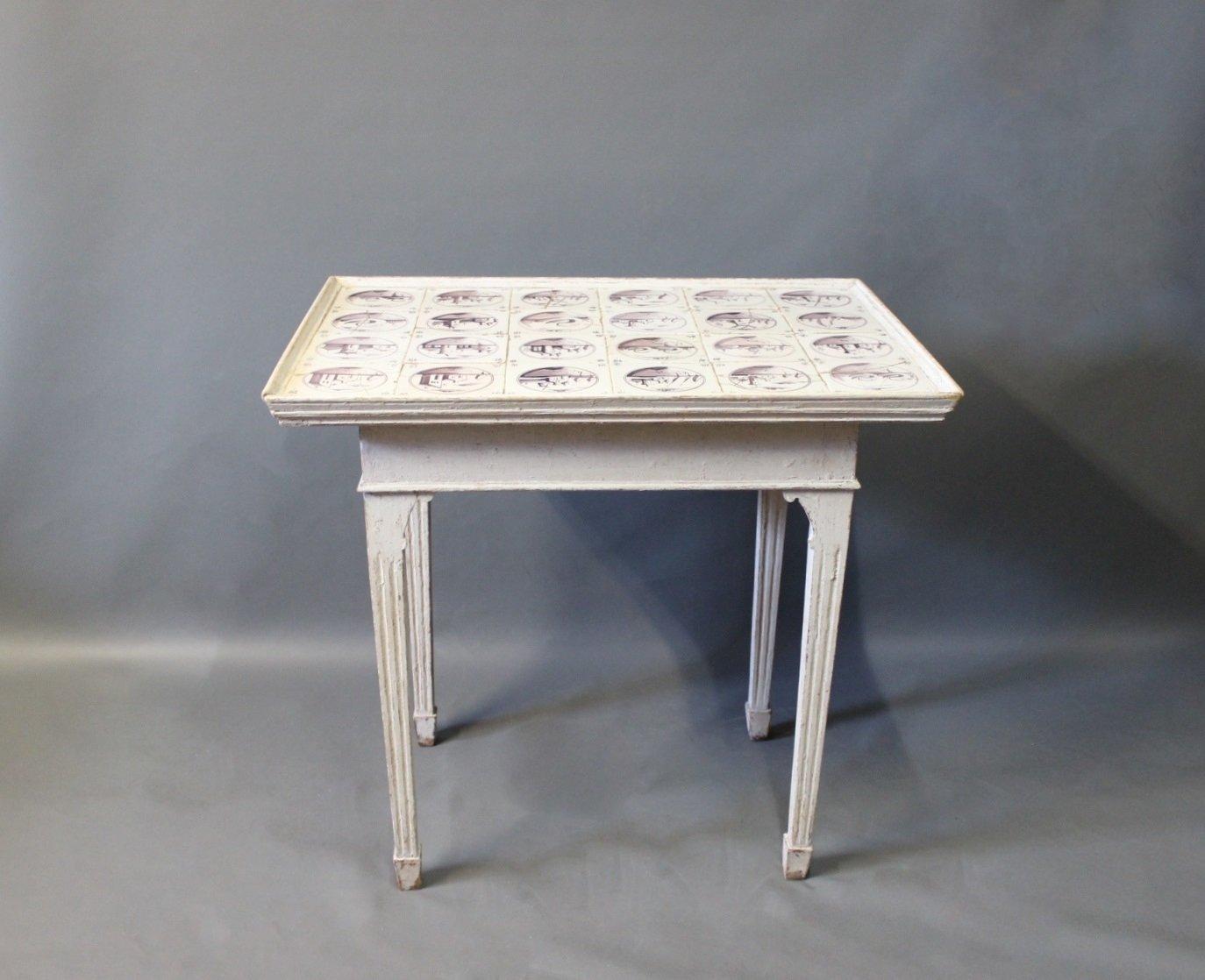 Grau lackierter holztisch im louis xvi stil mit for Holztisch grau