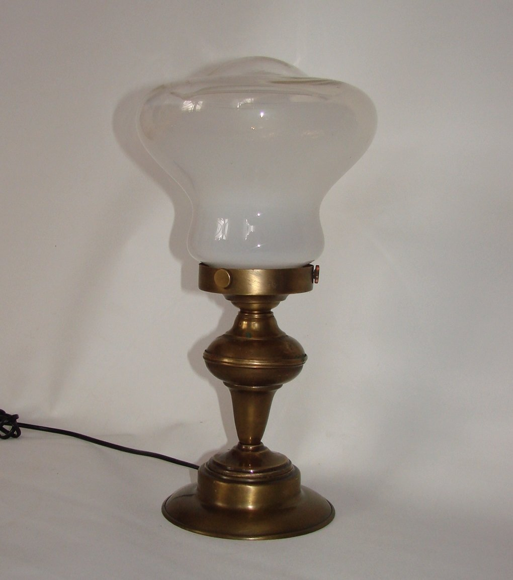 Art deco style lamp 1940s for sale at pamono for Art deco style lamp