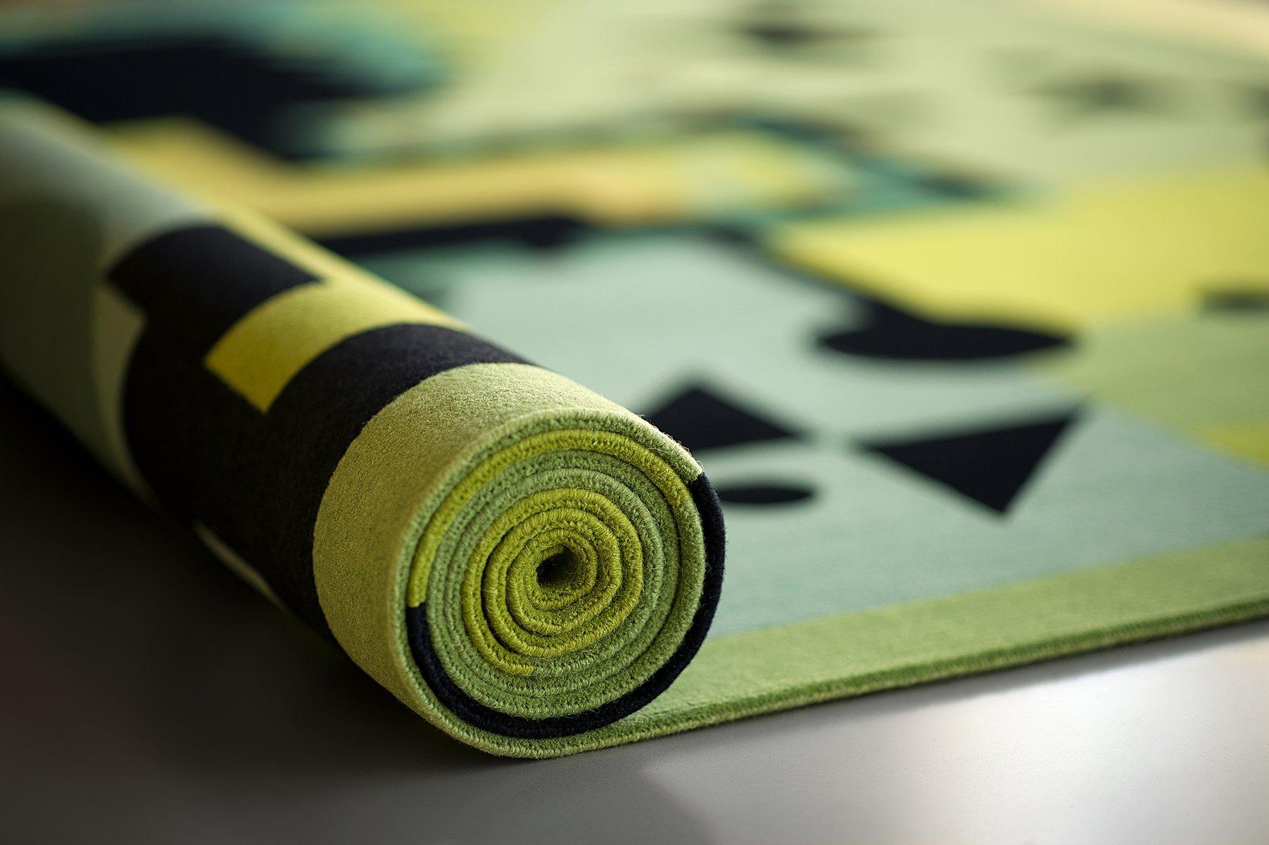 green rays teppich von kostas neofitidis f r kota. Black Bedroom Furniture Sets. Home Design Ideas