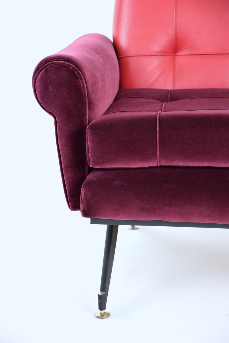 Red velvet chair - Price Per Set