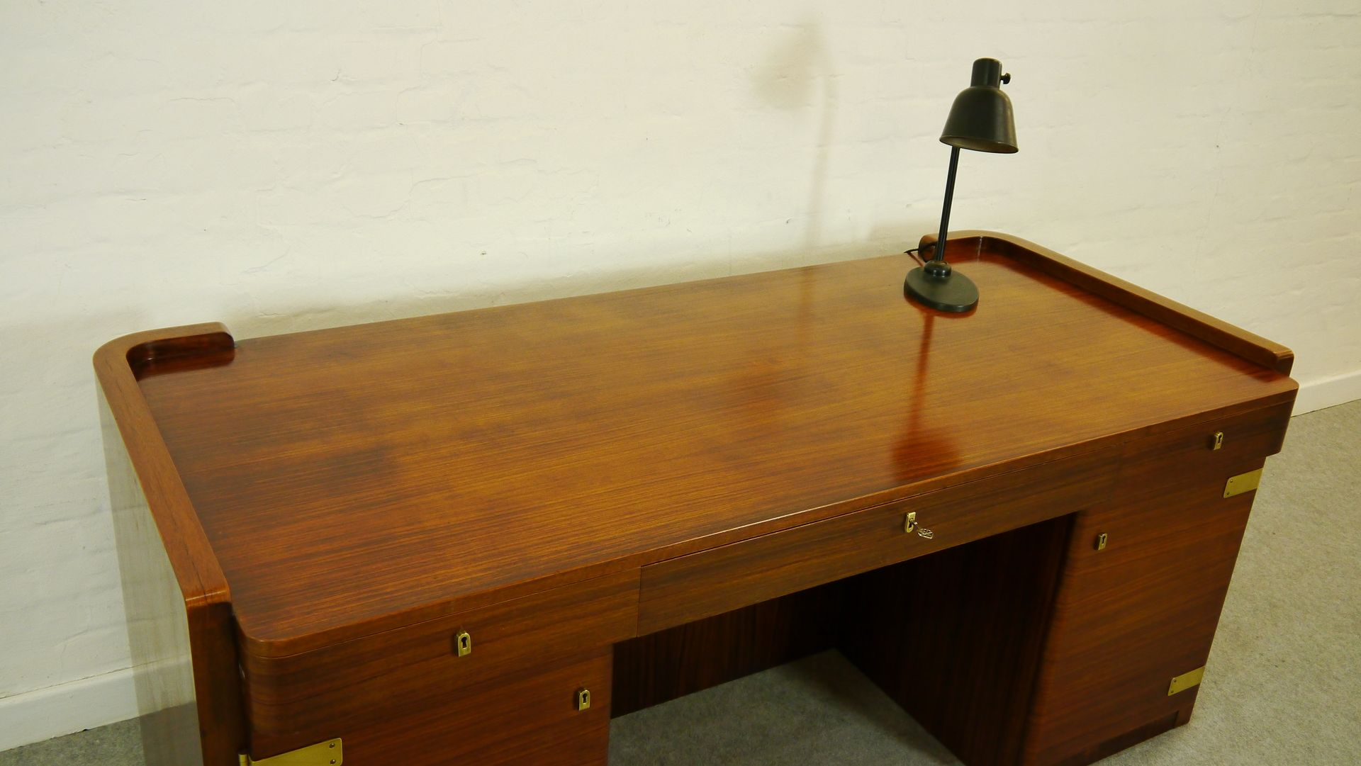 bauhaus art deco desk by bruno paul for wk m bel 1930s for sale at pamono. Black Bedroom Furniture Sets. Home Design Ideas