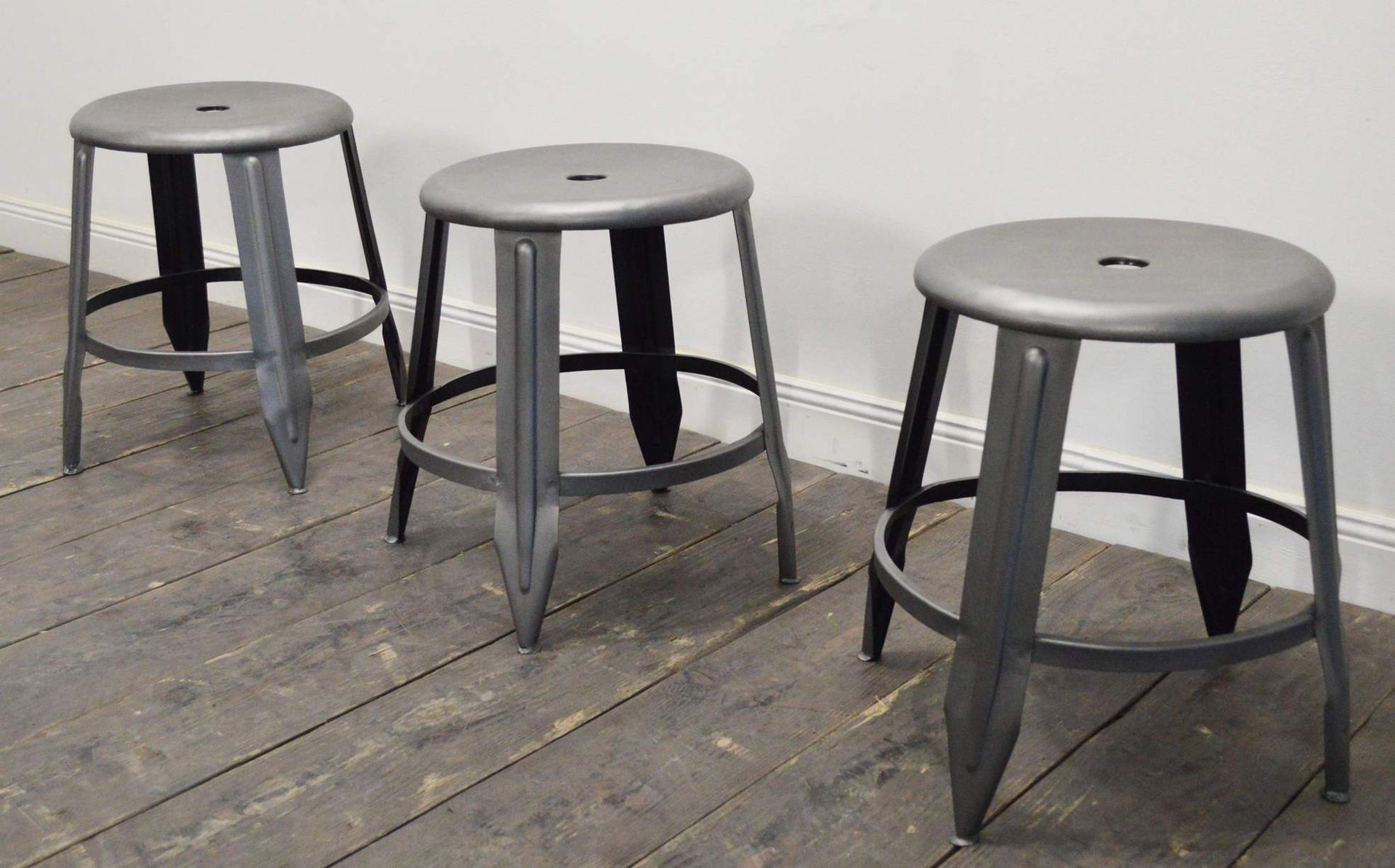industrieller metall hocker bei pamono kaufen. Black Bedroom Furniture Sets. Home Design Ideas