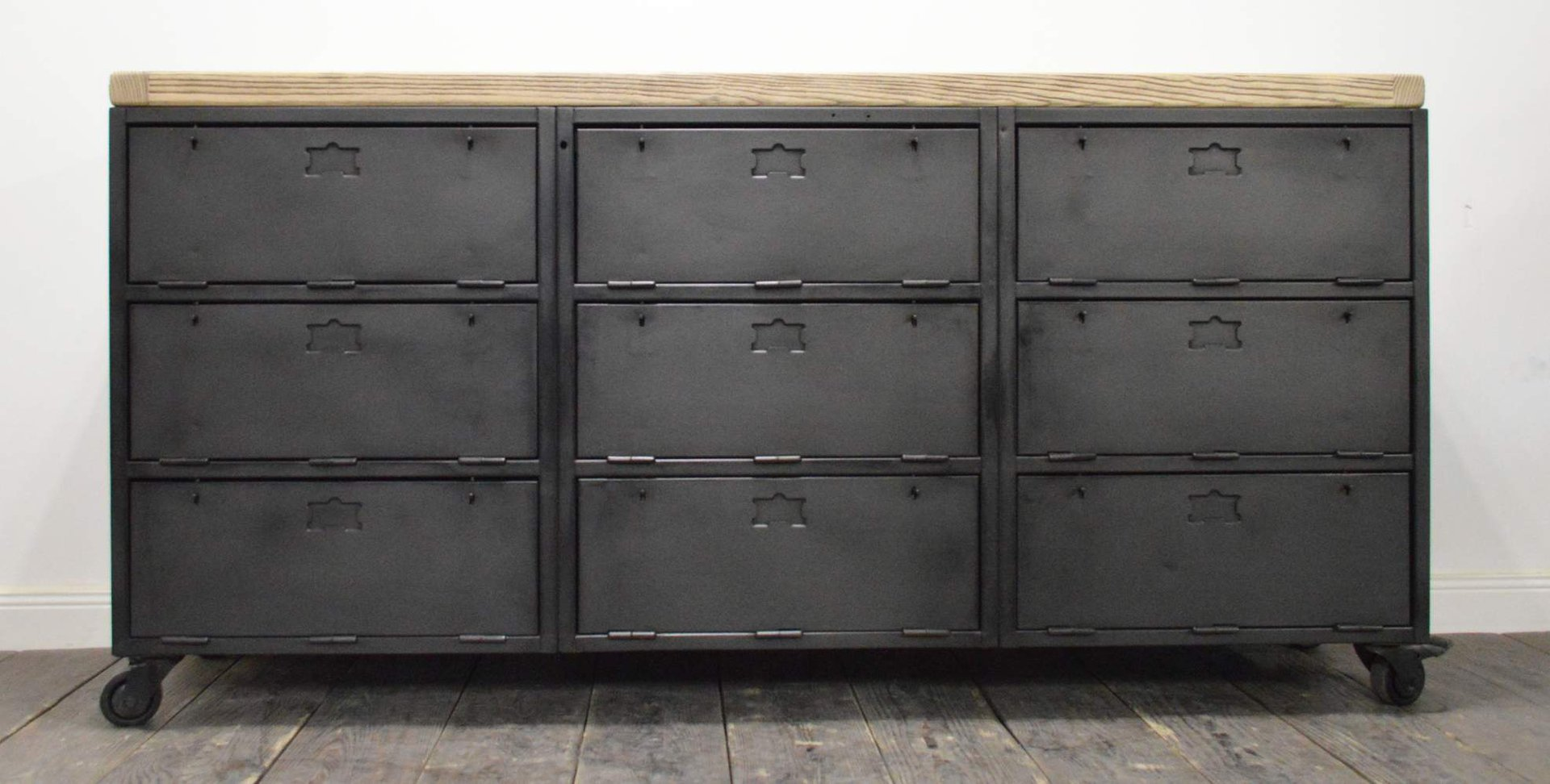 vintage french industrial buffet with nine compartments for sale at pamono. Black Bedroom Furniture Sets. Home Design Ideas