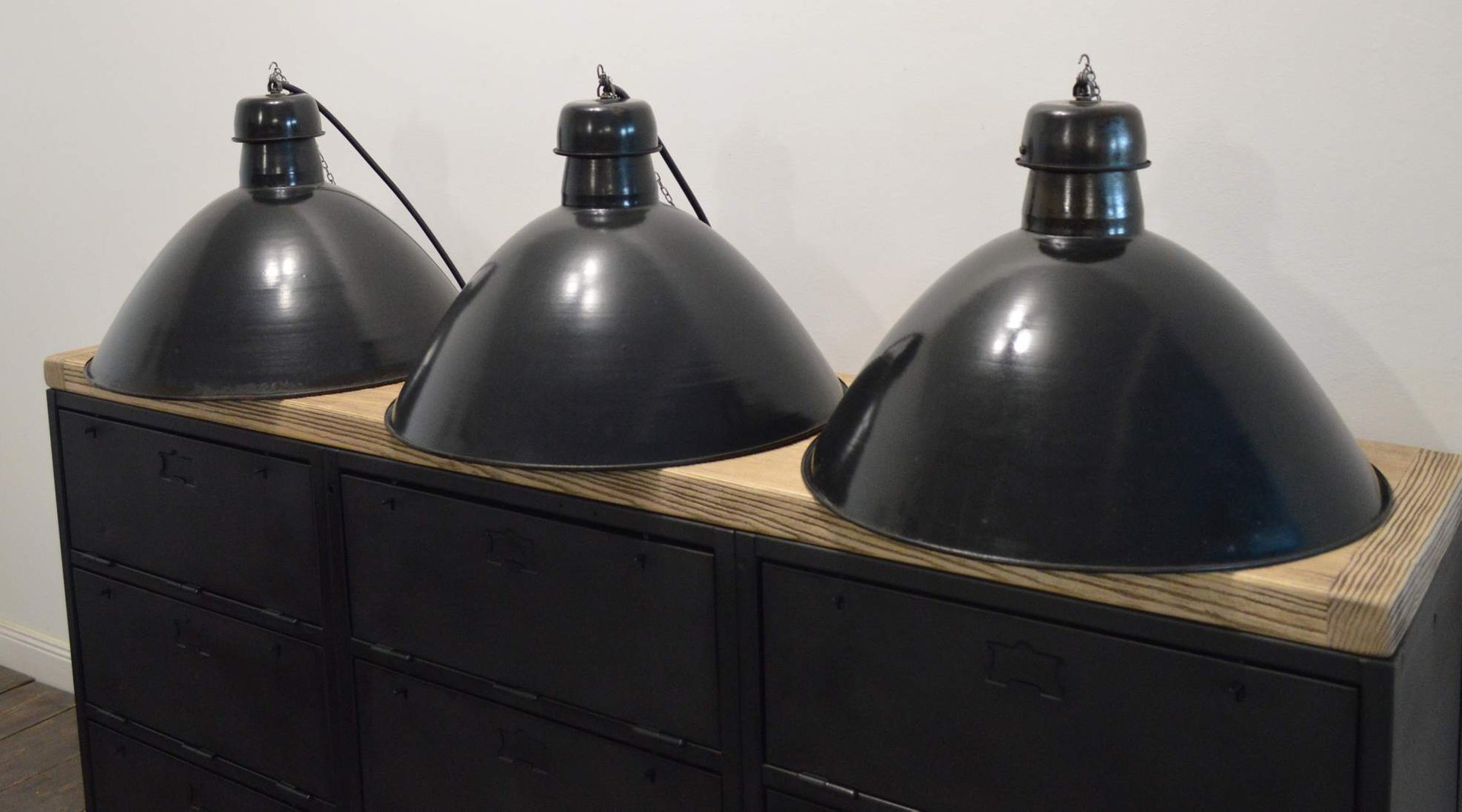 vintage industrial suspension light for sale at pamono. Black Bedroom Furniture Sets. Home Design Ideas
