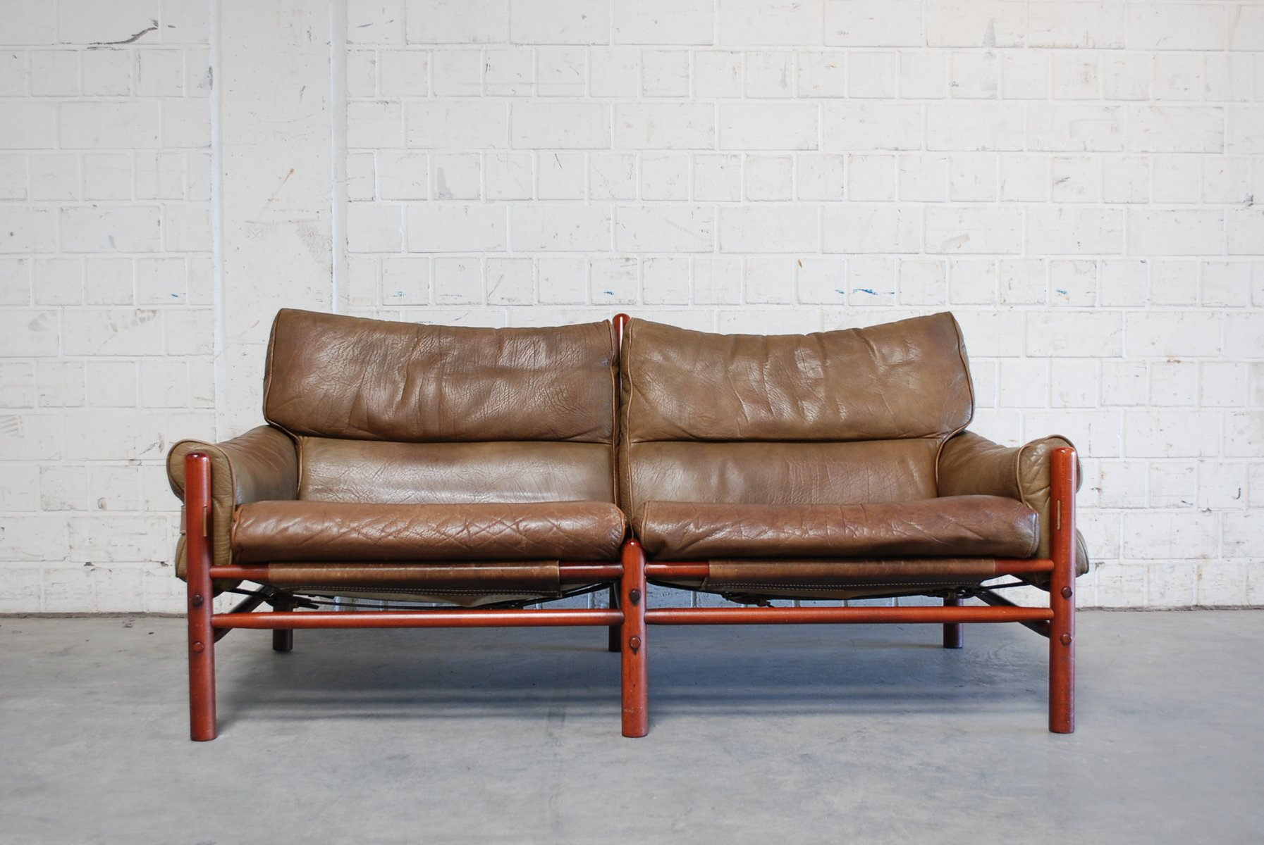 Vintage Leather Sofas Large Vintage Leather Sofa Chairs Thesofa