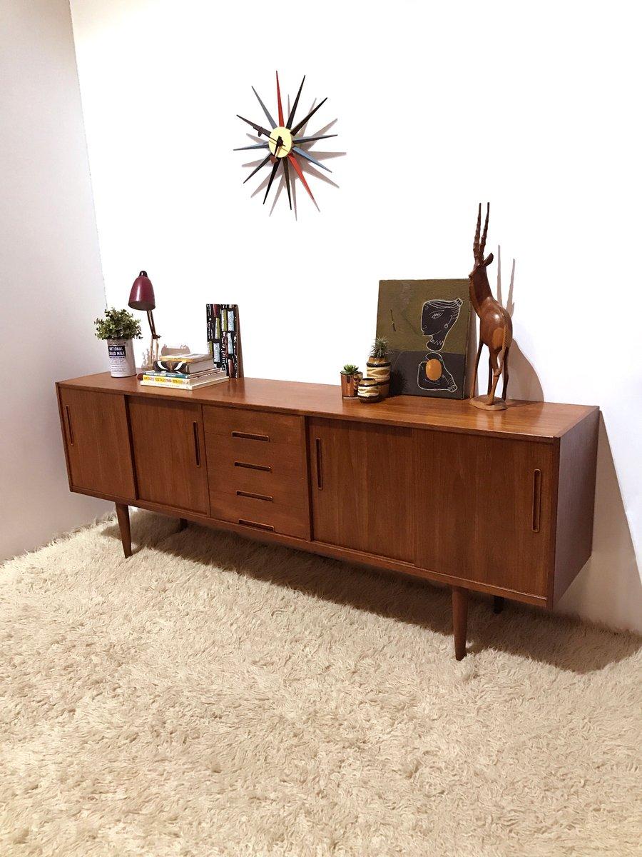 gro es teak sideboard von nils jonsson f r hugo troeds 1960er bei pamono kaufen. Black Bedroom Furniture Sets. Home Design Ideas