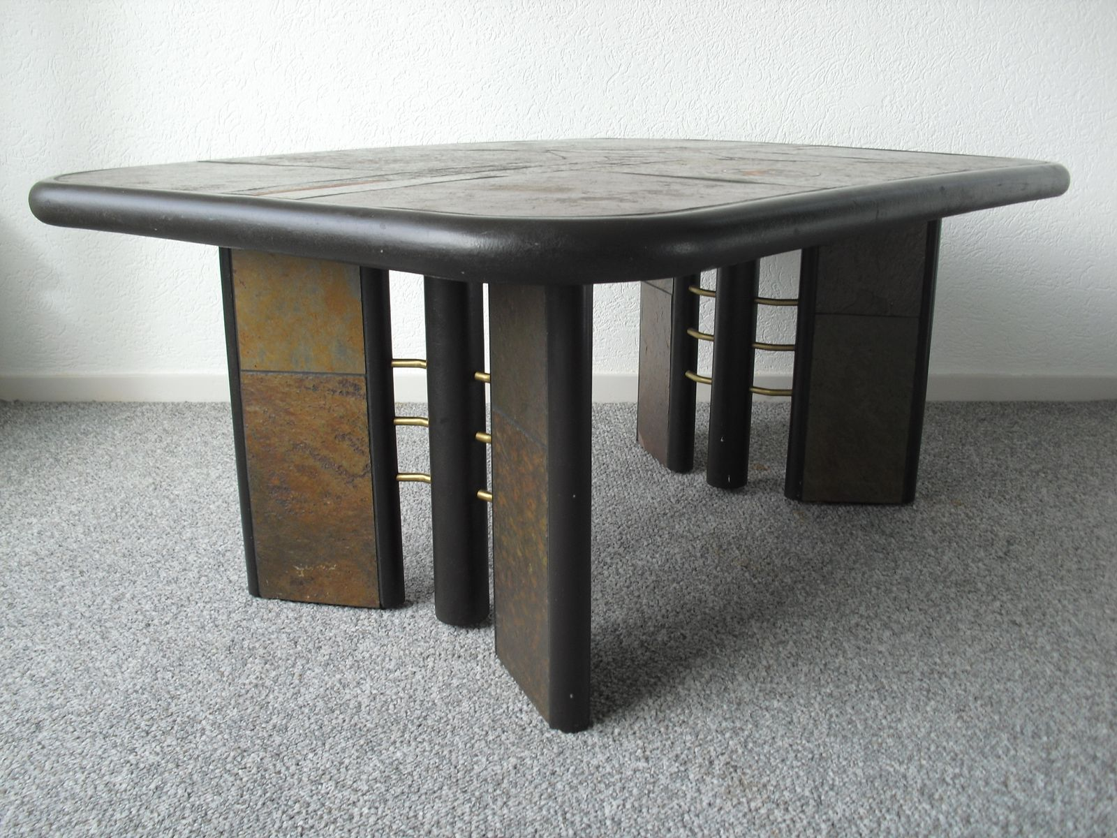 Table basse brutaliste en pierre par paul kingma 1970s en for Table basse pierre