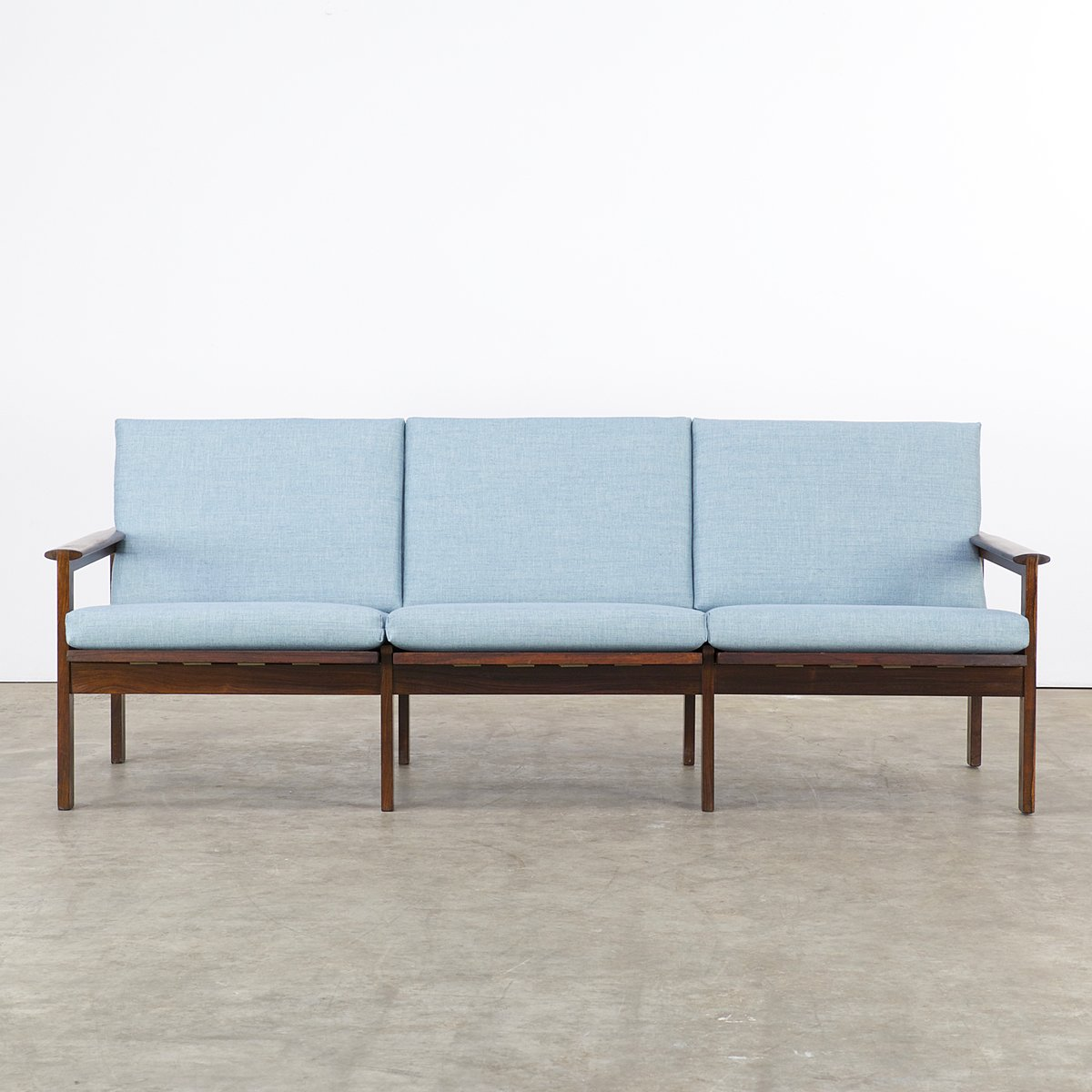 rosewood three seater sofa by illum wikkels for niels. Black Bedroom Furniture Sets. Home Design Ideas