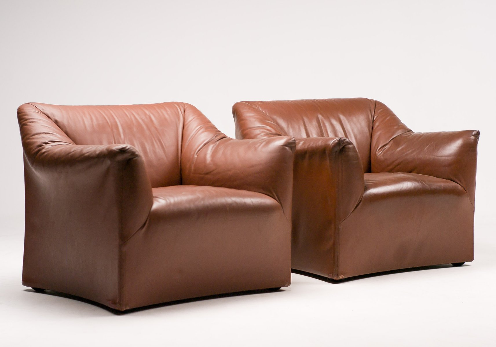 vintage leather lounge chairs by mario bellini for cassina set of