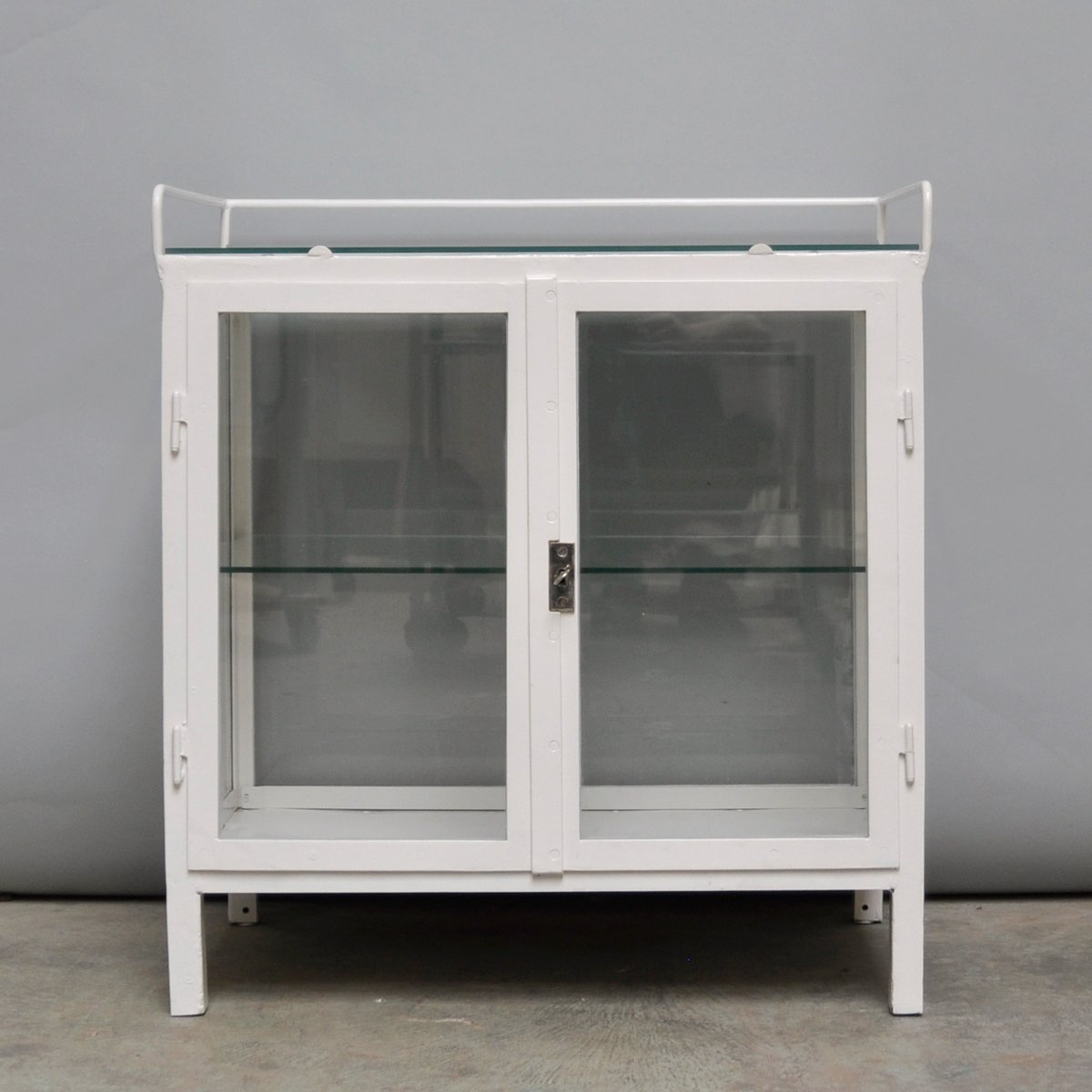 Vintage Hungarian White Medicine Cabinet, 1940s for sale at Pamono