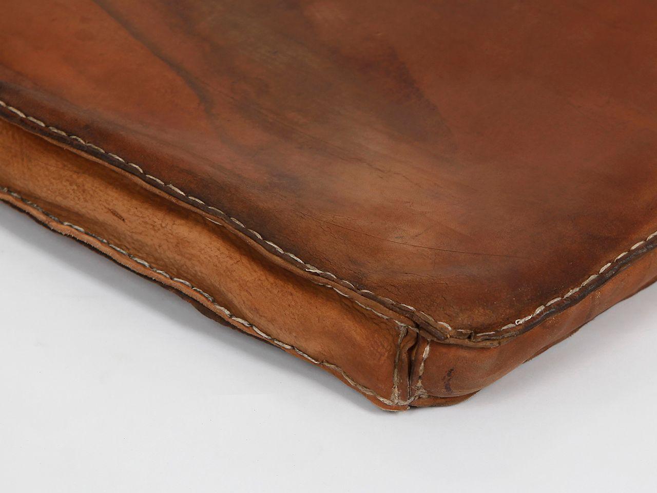 tschechische vintage turnmatte aus braunem leder 1940er bei pamono kaufen. Black Bedroom Furniture Sets. Home Design Ideas