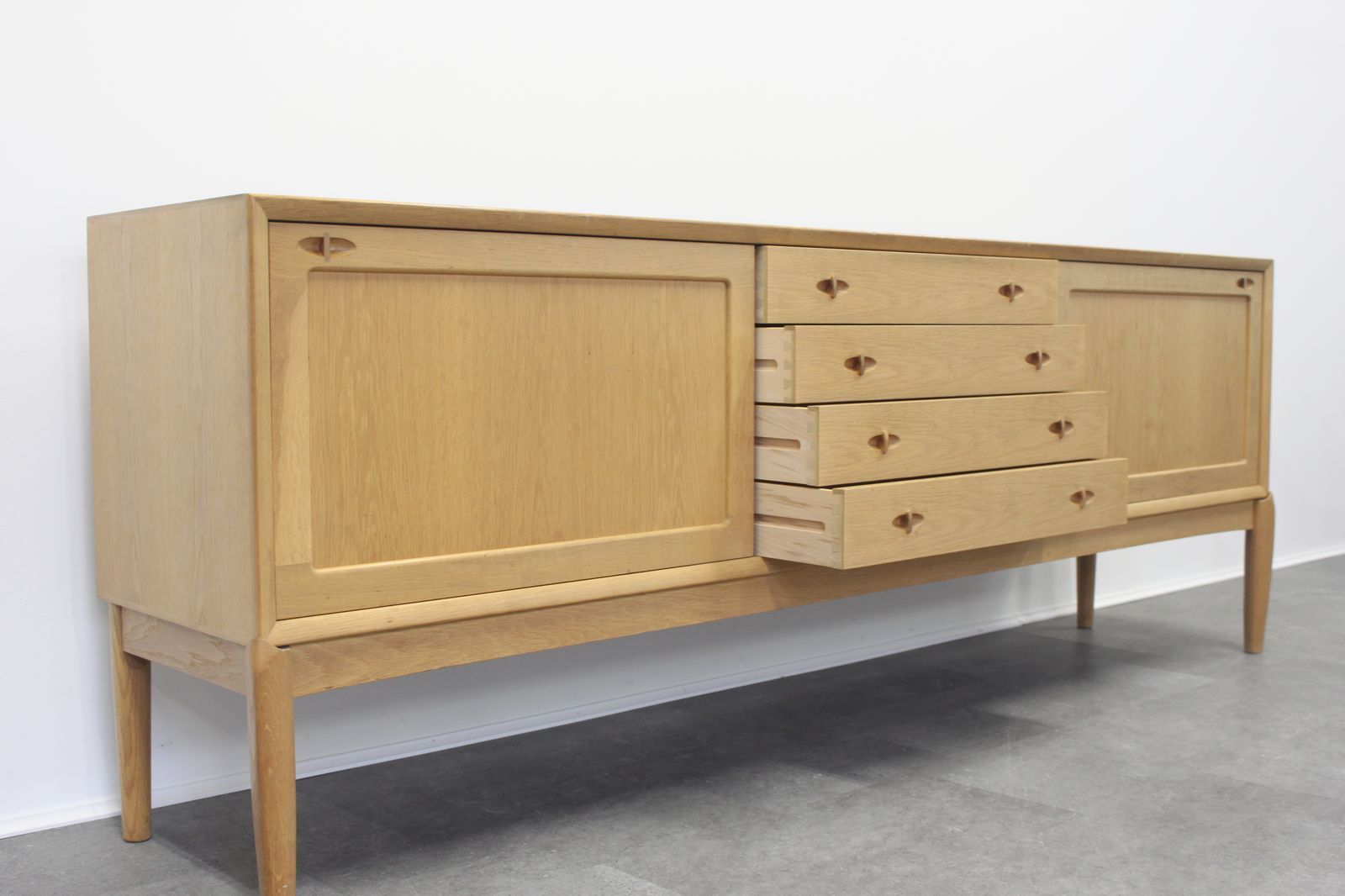 vintage oak sideboard by h w klein for bramin for sale at pamono. Black Bedroom Furniture Sets. Home Design Ideas