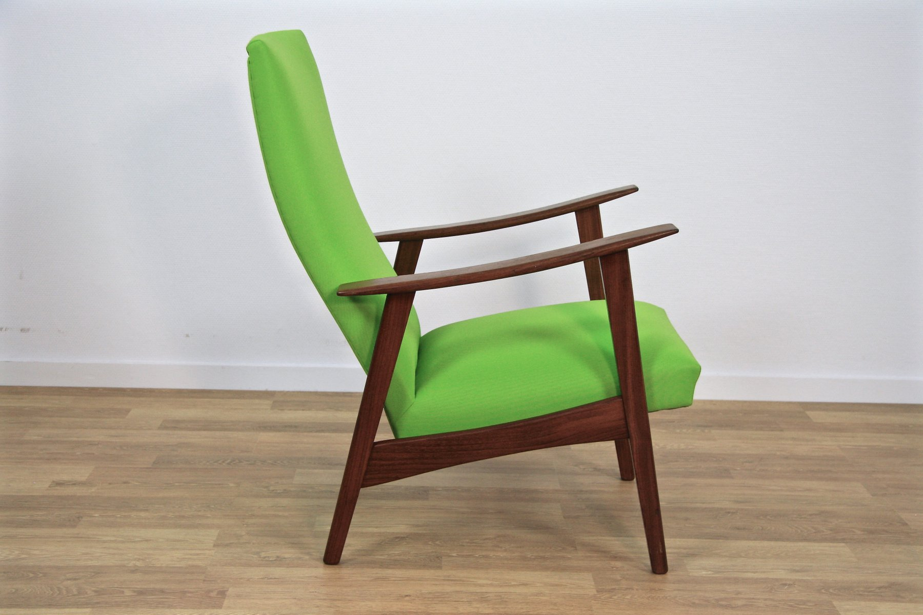 d nischer mid century lounge stuhl aus teak gr nem stoff 1960er bei pamono kaufen. Black Bedroom Furniture Sets. Home Design Ideas