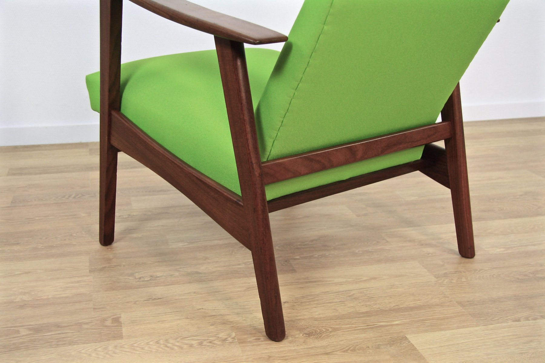chaise de salon mid century en teck tissu vert danemark 1960s en vente sur pamono. Black Bedroom Furniture Sets. Home Design Ideas