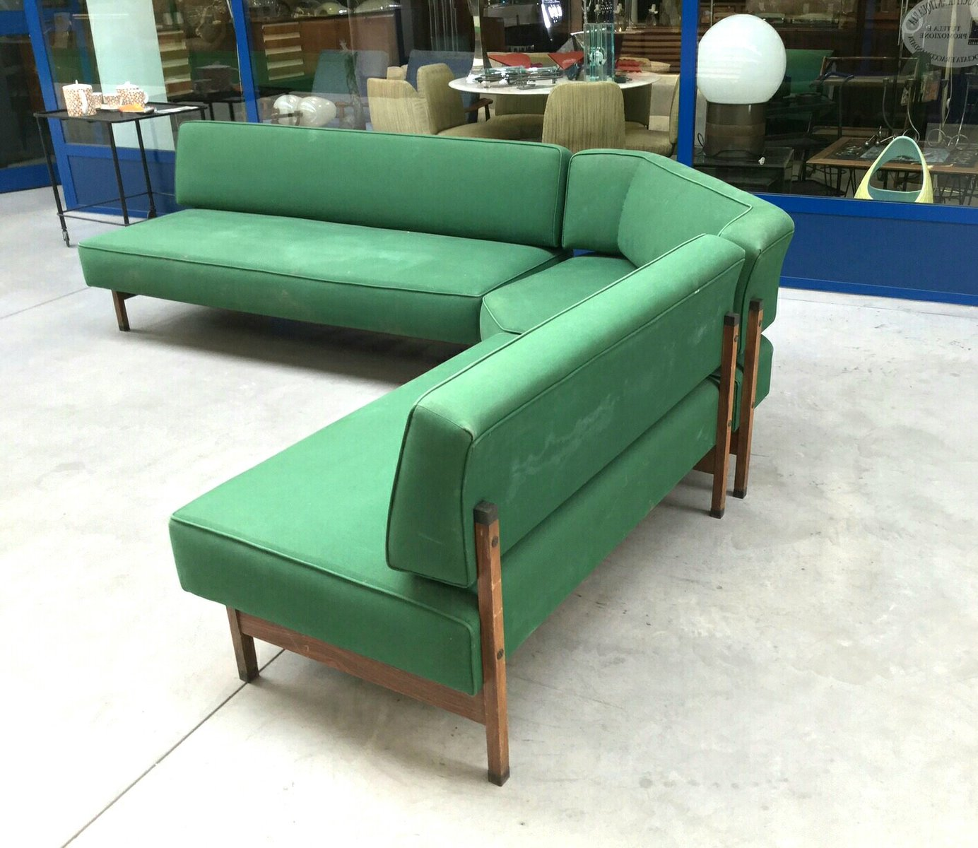 Canap d angle modulaire mid century vert italie 1960s for Canape d angle vert