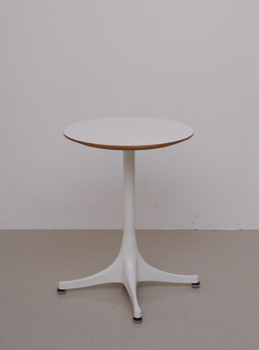 Vintage Side Table By George Nelson For Herman Miller