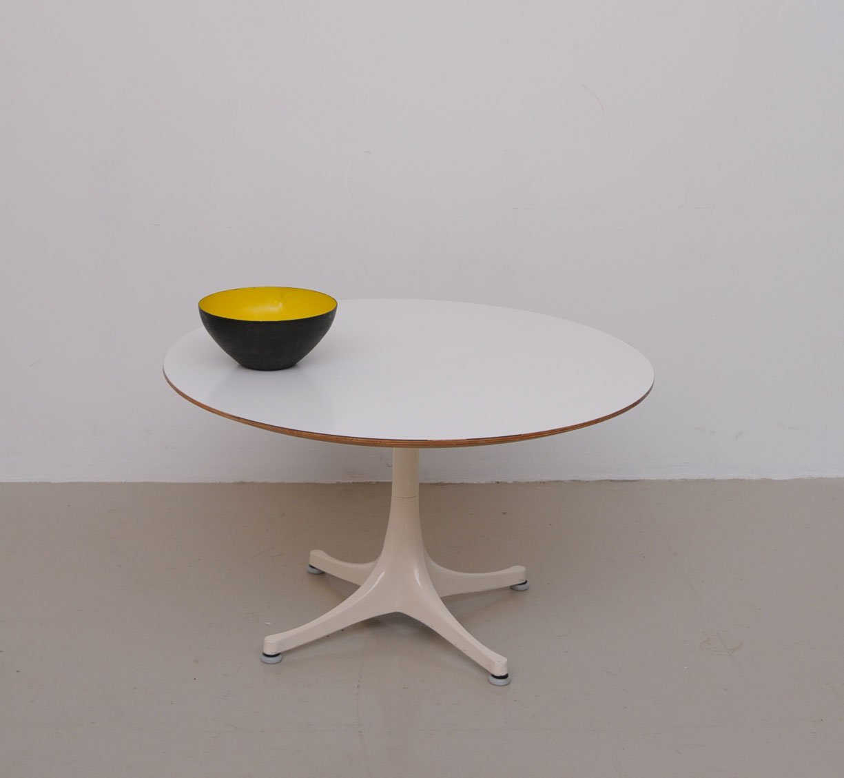 Awesome Vintage Coffee Table By George Nelson For Vitra