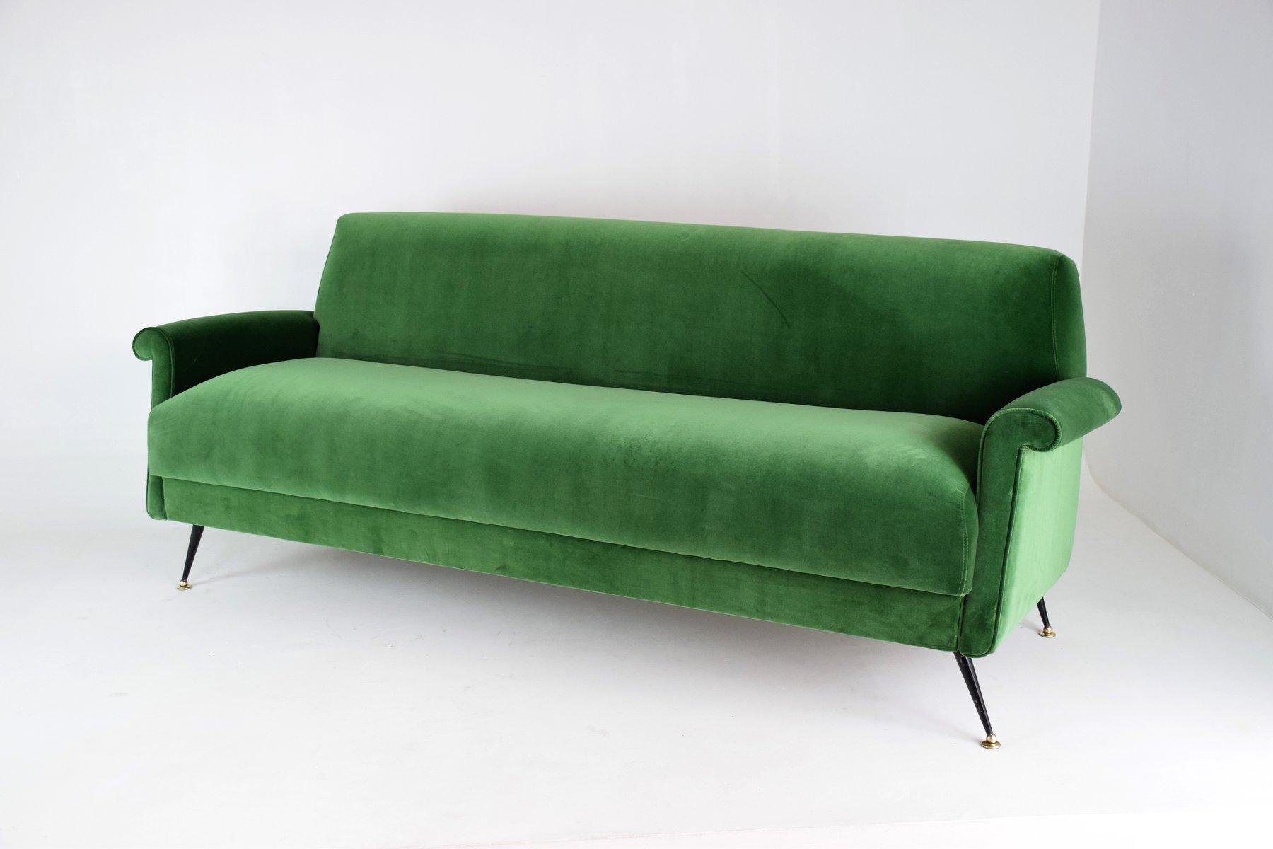 gr nes italienischer mid century samt sofa bei pamono kaufen. Black Bedroom Furniture Sets. Home Design Ideas