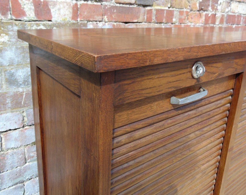 Meuble de rangement vintage industriel avec deux panneaux for Rangement entre deux meubles
