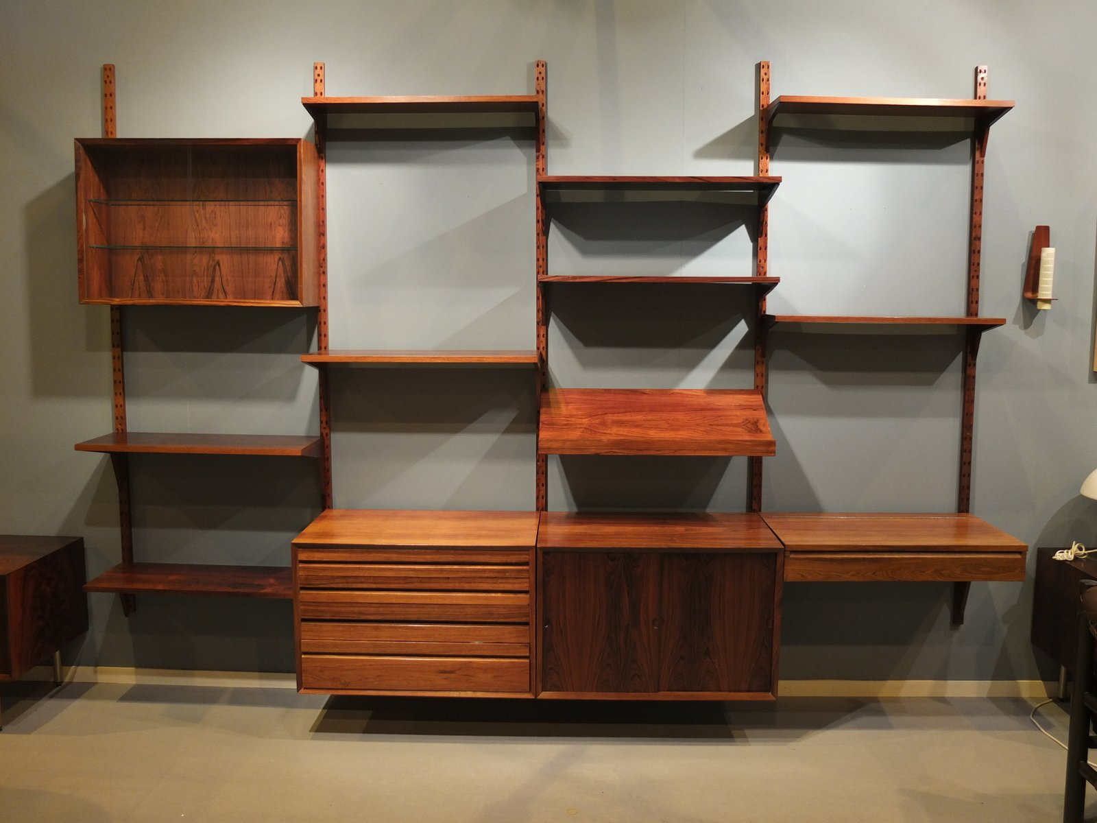 Mid Century Modular Rosewood Wall Unit By Poul Cadovius For Cado